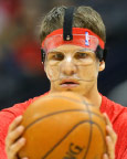 Thumbnail image for Kyle Korver: Facial Injury and Nasal Fracture